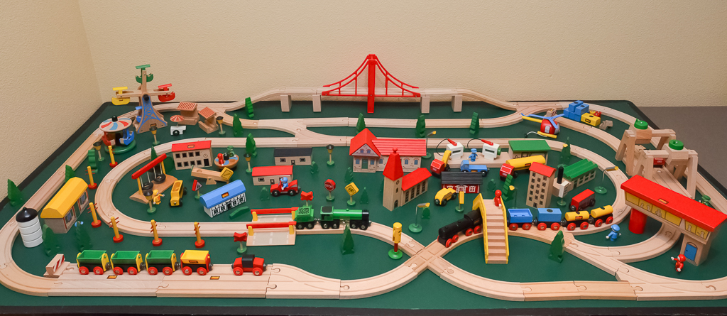 The Basic Loops Brio Wooden Railway Guide
